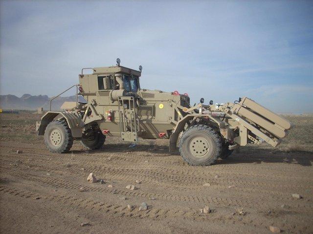 Vehículo 'Husky', especializado en detección de explosivos improvisados
