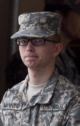 Bradley Manning, Acusado De Filtrar Documentos Oficiales Clasificados A Wikileak