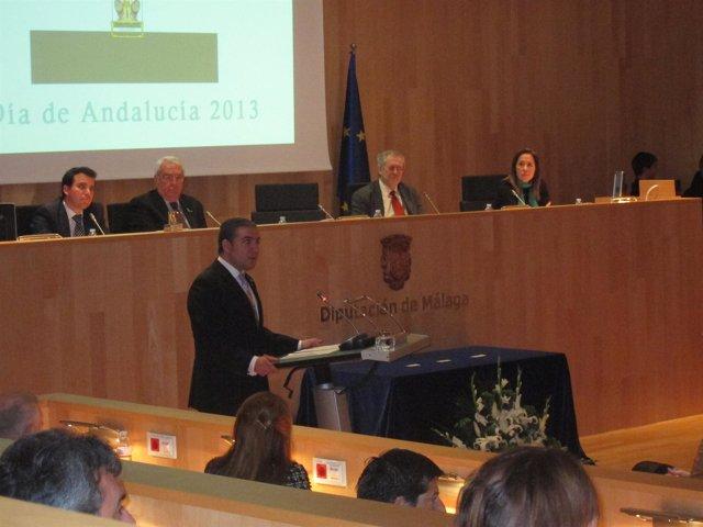 Bendodo, en su discurso en el pleno extraordinario del Día de Andalucía