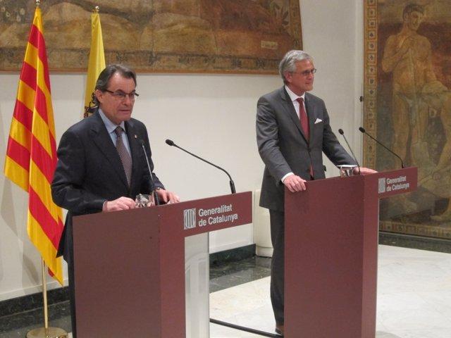 El pte.A.Mas y el mandatario de Flandes, K.Peeters