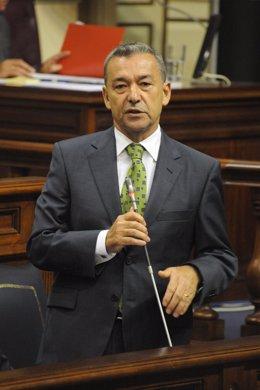 Paulino Rivero en el Parlamento de Canarias