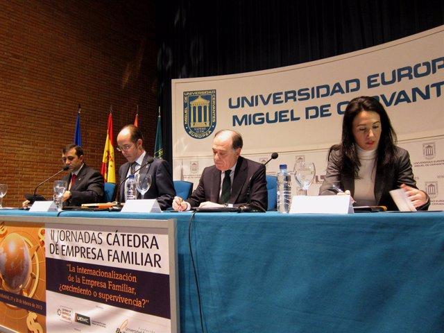 Villanueva (segundo por la izquierda) en las jornadas de la UEMC