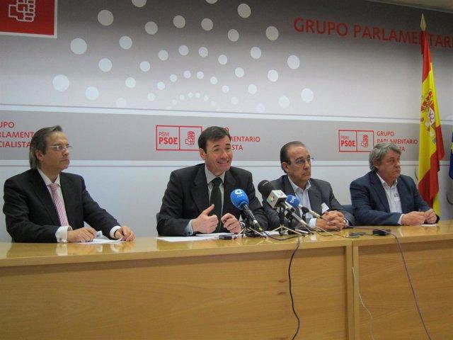 El secretario general del PSM, Tomás Gómez, en rueda de prensa