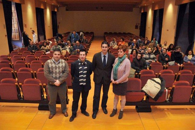 Expósito y Palomares (centro) en la inauguración del encuentro