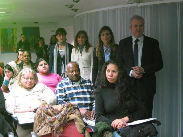 Del Río se reúne con inmigrante y violencia de género