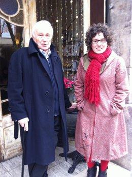 El poeta Francesc Garriga y la autora de cuentos Tina Vallès