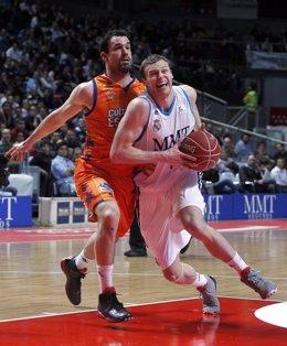 Pocius Real Madrid Baloncesto  Valencia Basket