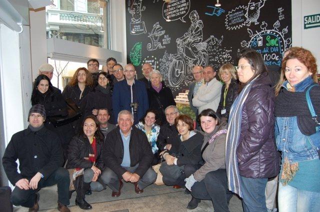 Visita de La Unió y sus socios europeos a la tienda 'puntdesabor.Com'.