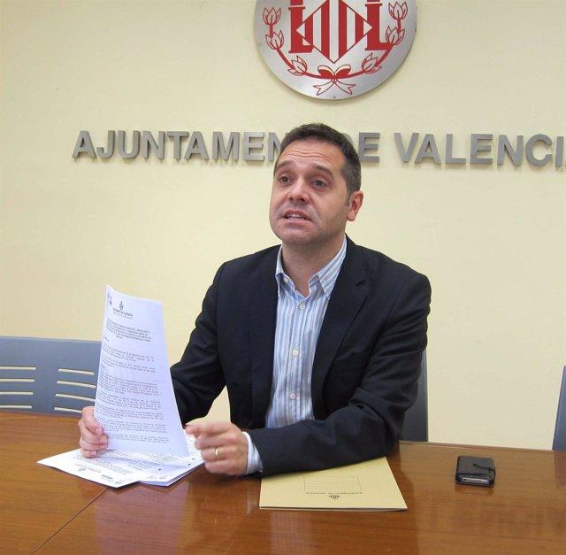 Sanchis (EUPV) presenta las alegaciones de su grupo al Parque Central
