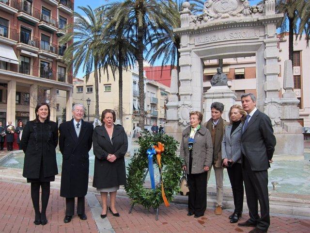 Barberá, Catalá y familiares de Sorolla y Benlliure en el homenaje al pintor