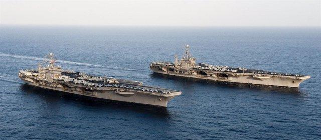Portaaviones De EEUU Navegando Hacia El Golfo Pérsico