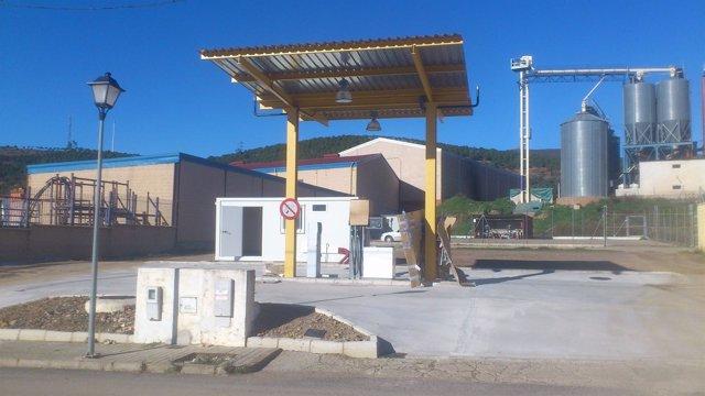 Nueva gasolinera 'low cost' en Higuera de la Sierra.