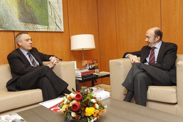 Pere Navarro (PSC) Y Alfredo Pérez Rubalcaba (PSOE)