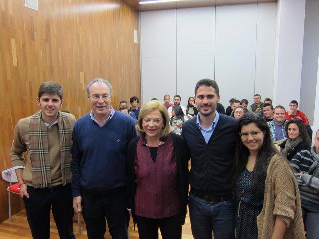 Rubiales (centro) con dirigentes y militantes de JSA