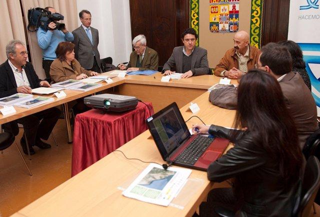 Diputación entrega los planes de movilidad sostenible de la Costa Suratlántica