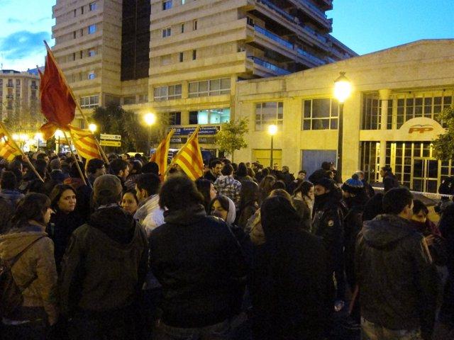 Protesta de universitarios en el PP
