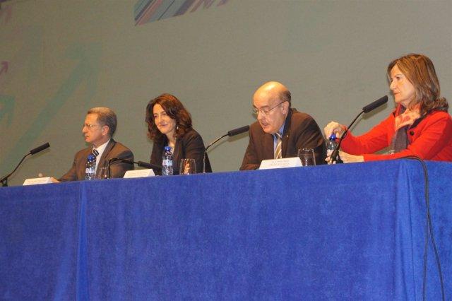 El conseller de Salud de la Generalitat, Boi Ruiz, abre una jornada de Novartis