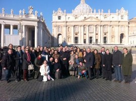 """Asenjo cree que Benedicto XVI va a servir """"de forma preciosa"""" a la Iglesia dedicándose a la oración"""