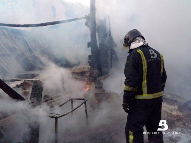 Incendio Urbano En Mieres