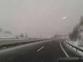 La nieve dificulta el tráfico en cinco carreteras de Yecla,  Jumilla y Moratalla