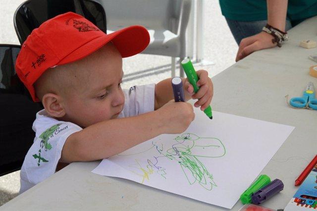 Un Niño Con Cáncer Participa En La Jornada Lúdica En El Circuit De Montmeló