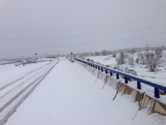 Nieve, carretera nevada, frío, temporal, tráfico