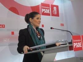 """Gil Rosiña reconoce que el PSOE también aplicó """"recortes"""" para ajustar el déficit """"pero nunca a costa de los extremeños"""""""