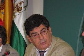 """Valderas cree que, a pesar de superar el déficit, la Junta """"ha sabido equilibrar cuentas sin olvidar a los ciudadanos"""""""