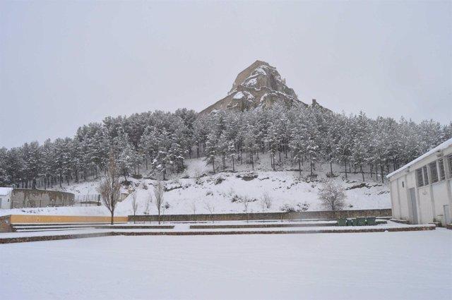 Morella cubierta de nieve
