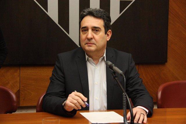 Manuel Bustos, en el pleno extraordinario de renuncia