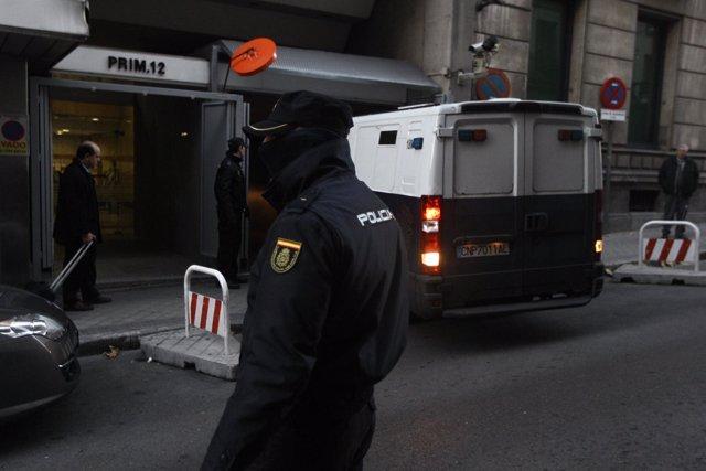 Furgón en el que Díaz Ferrán llega a la Audiencia Nacional
