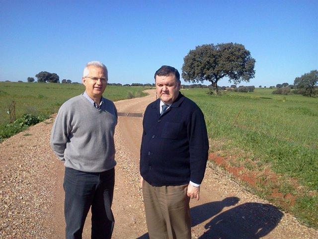 Elías Romero y Francisco Zurera en uno de los caminos de Santa Eufemia