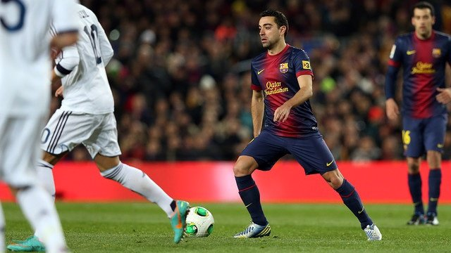 Xavi Hernández en un 'clásico' contra el Real Madrid