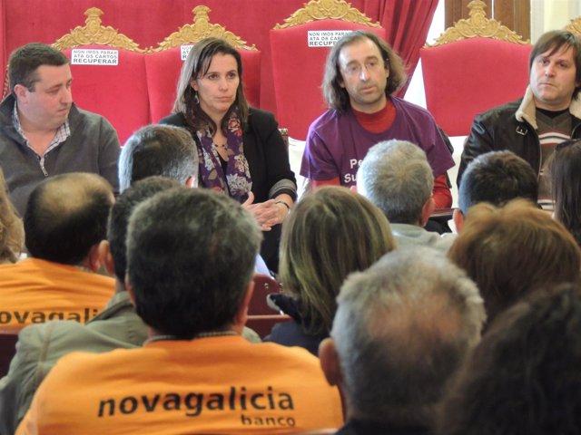 La eurodiputada Ana Miranda en Vigo con afectados por las preferentes
