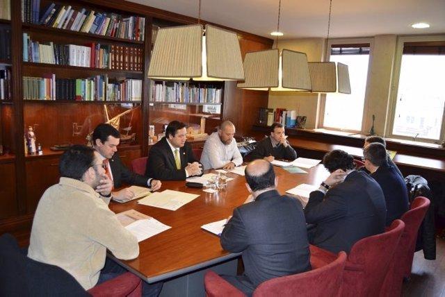 Reunión Entre Los Representantes Del Programa Y El Conseller De Agricultura