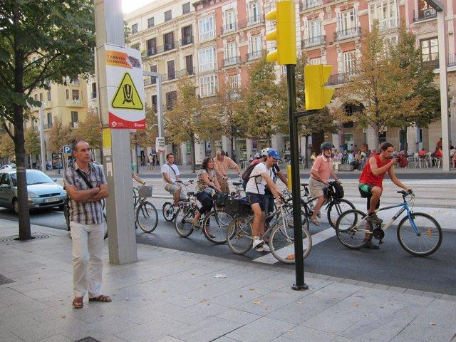Ciclistas en Independencia