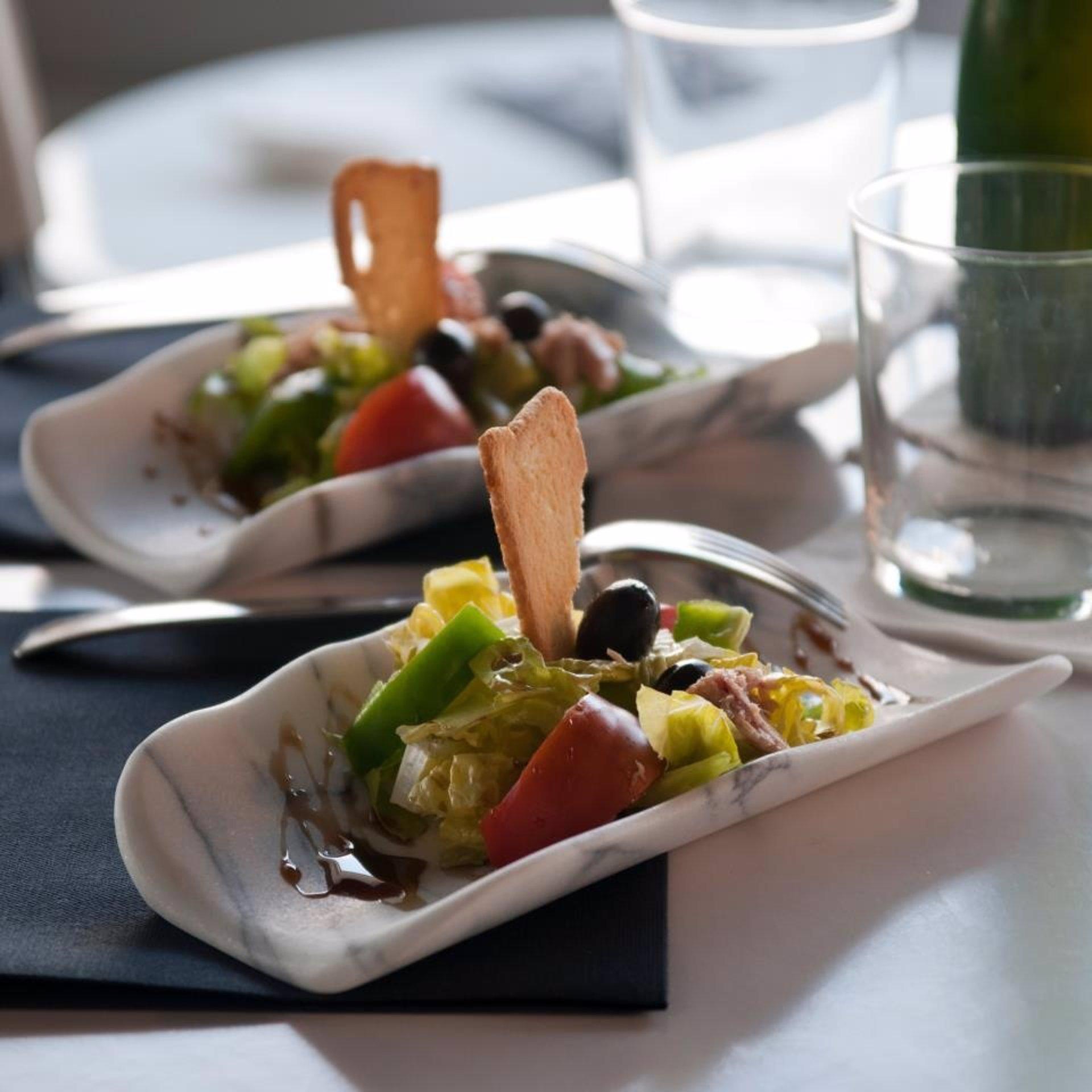 Una empresa dise a vajillas en m rmol y piedra natural for Vajilla para restaurante