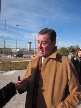 El Abogado José María Sánchez De Puerta A La Salida De Prisión De Córdoba