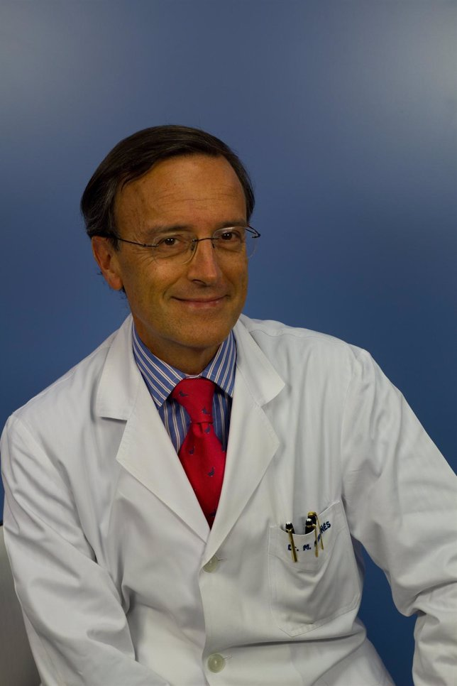 """Clínica Universidad De Navarra Sobre ,""""Glaucoma, Cataratas Y Córnea"""""""