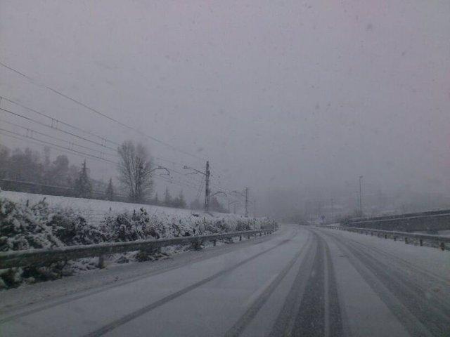 Nieve en Autopista de Oviedo