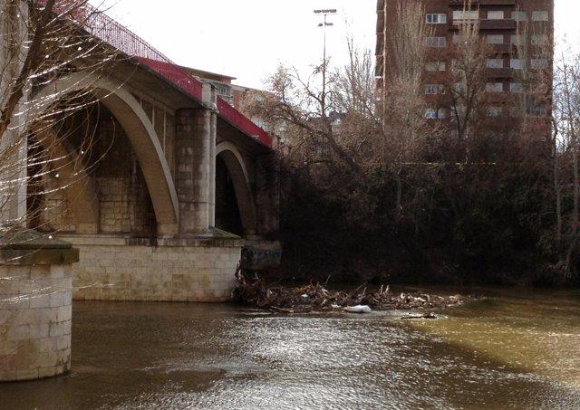 Imagen del puente José Luis González Regueral sobre el río Pisuerga