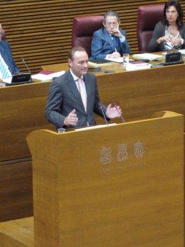 Alberto Fabra En La Sesión De Control en imagen de archivo
