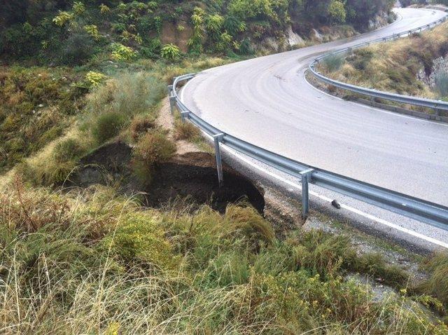 Carretera de la provincia de Málaga afectada por las lluvias