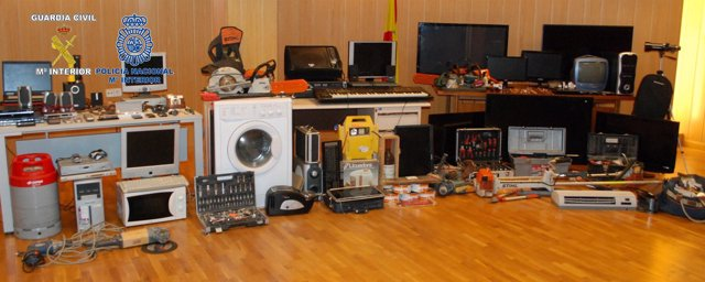 Efectos intervenidos al grupo detenido en Elche y Alcoy (Alicante)