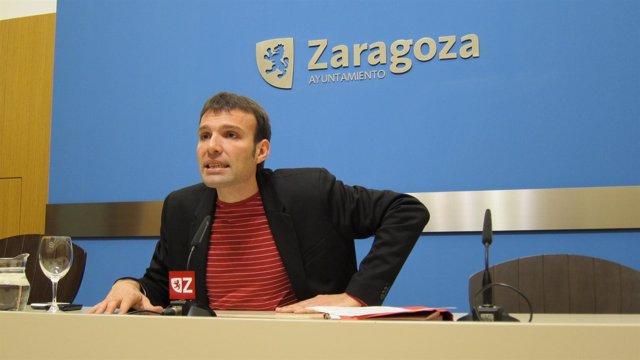 Concejal de IU en el Ayuntamiento de Zaragoza, Pablo Muñoz