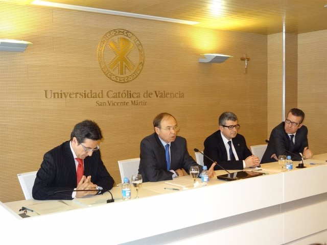 Pío García-Escudero en la universidad San Vicente Mártir de Valencia