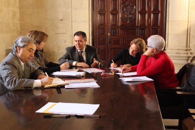 Reunión entre miembros del PSOE y Cepes