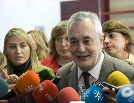 """Griñán defiende que Navantia """"ha de conseguir"""" la carga de trabajo que """"piden los trabajadores"""""""