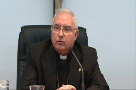 """El Arzobispo de Mérida-Badajoz destaca del Papa su """"voluntad de diálogo"""" y que es """"sencillo y nada blando"""""""