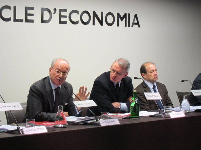 J.L.Feito (pte IEE), A.Costas (Círculo de Economía) y J.Trigo (dtor gral IEE)